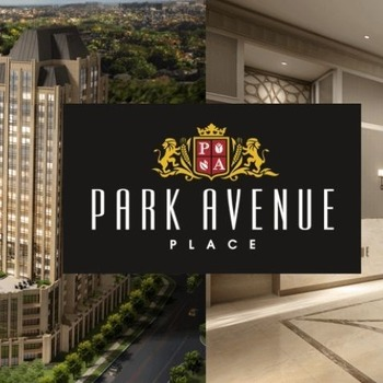 Large square park avenue