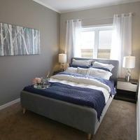 Medium uf 2bed master bed small