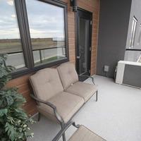 Medium uf 2bed balcony2 1 small
