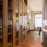 Medium cabinets