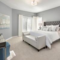 Medium bedroom features