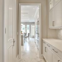 Medium hallway to kitchen