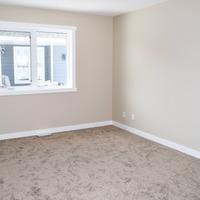 Medium master bedroom.height 1170 fsjndcm