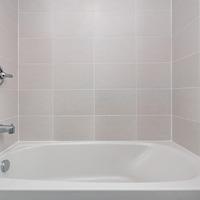 Medium main bath 3 1024x680