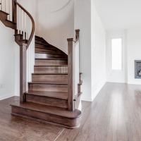 Medium main stairs 1024x680