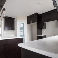 Medium cottage design with custom cabinets 1170x738