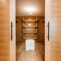 Medium 5 master bedroom closet