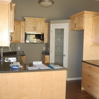 Medium kitchen 10