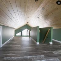Medium cabin with large loft and storage 1170x738