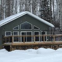 Medium cabin plan with open loft 1170x738