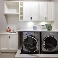 Medium redw cop r laundryrm 9205