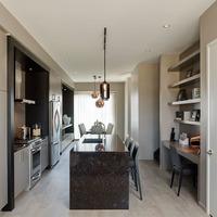Medium modern kitchen