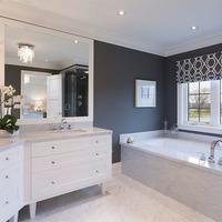 Medium luxury master bathroom