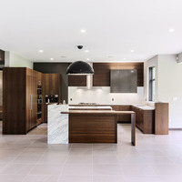 Medium kitchen1