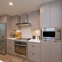 Medium kitchen2