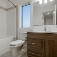Medium main bathroom 1 e1597080442365