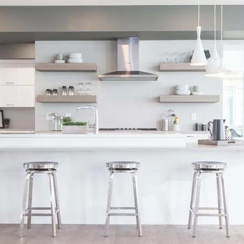 Large square kitchen1