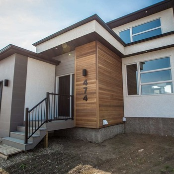 Large square 474 hastings cres 43